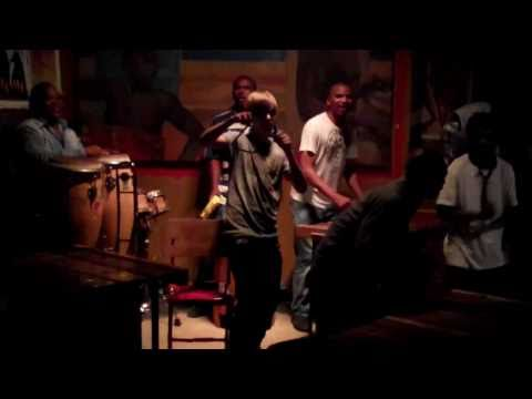 Justin Bieber playing with an African Band + Sexy Dance Moves  (South Africa 4th of January 2011)