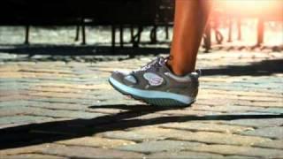Кроссовки Skechers Shape-ups Anywhere(Новая фитнес-обувь Skechers позволяет сбросить лишние килограммы и подтянуть фигуру во время домашних дел,..., 2011-04-26T07:15:05.000Z)