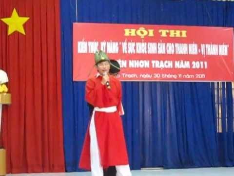 Quan & Lính - màn chào hỏi cuộc thi SKSS của trường THPT Nhơn Trạch.AVI