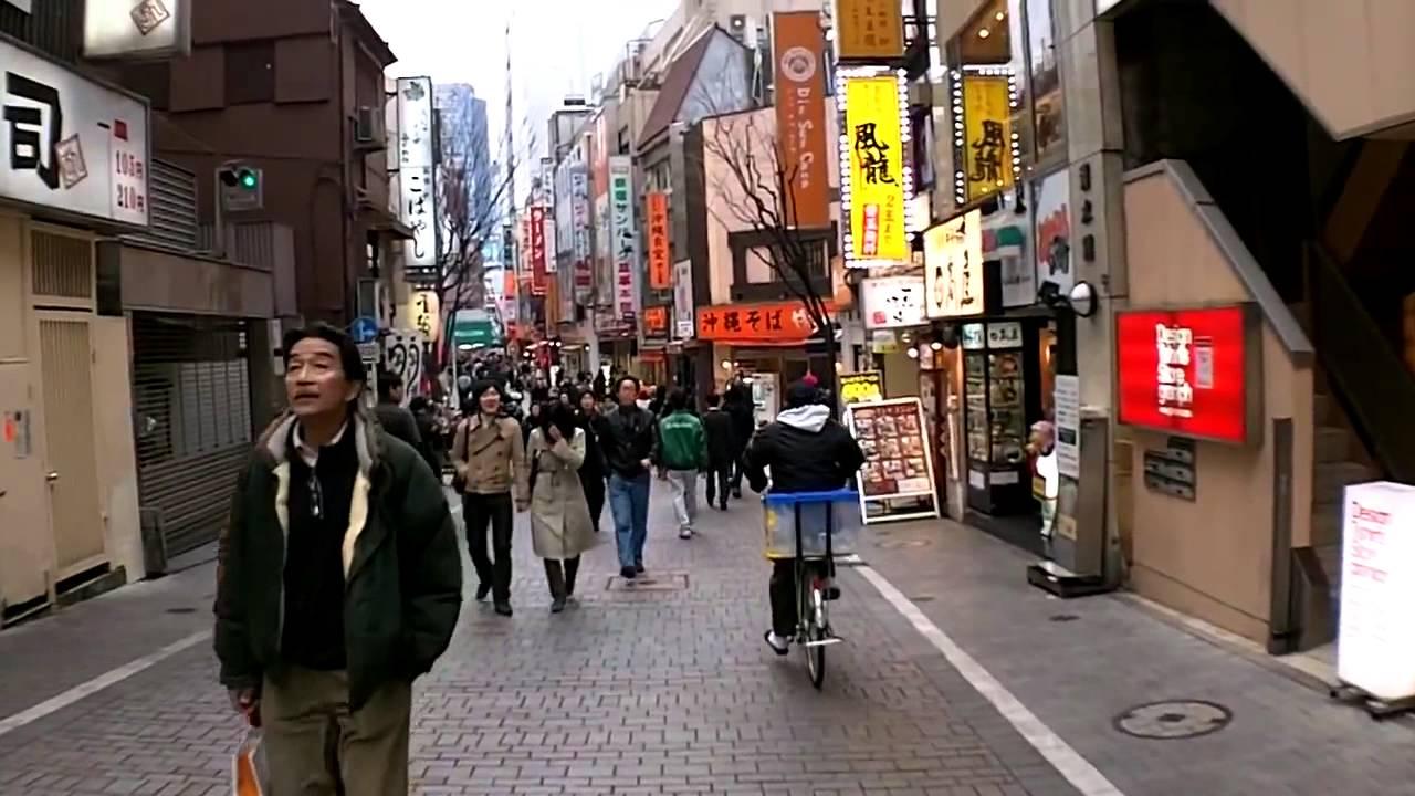 """جولة في شوارع طوكيو في اليابان """"منطقة شينجوكو"""""""