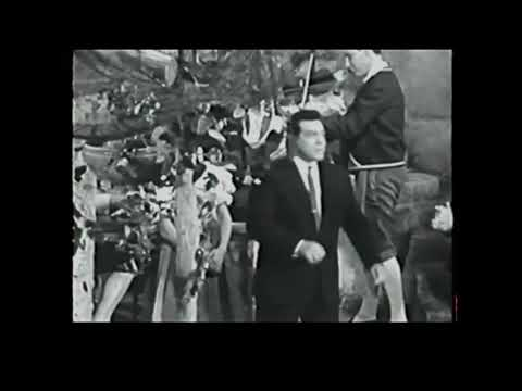 """MARIO  LANZA  on the set of """"For The First Time"""" . Shooting of the episode with """"O sole mio""""."""
