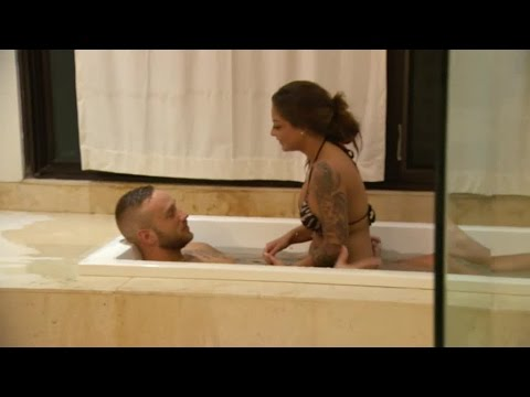 Anna-Lisa och Simon hamnar i badkaret | Ex on the Beach Sverige