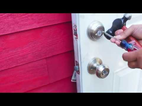 How to Remove a Kwikset Double Cylinder Deadbolt Lock - YouTube