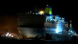 Greece: ferry safely back in port after fire