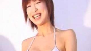 大久保麻梨子 白ビキニ 大久保麻理子 動画 16