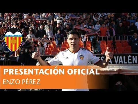 Lujosa y multitudinaria presentación de Enzo Pérez en Valencia