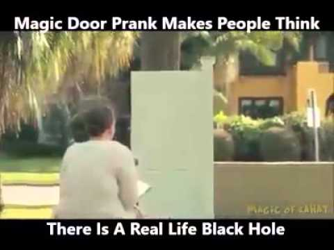 Magic Door Prank Makes People Thinks There Is A Real Black Hole & Magic Door Prank Makes People Thinks There Is A Real Black Hole ... pezcame.com