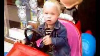 Ivar gaat op reis met Mickey