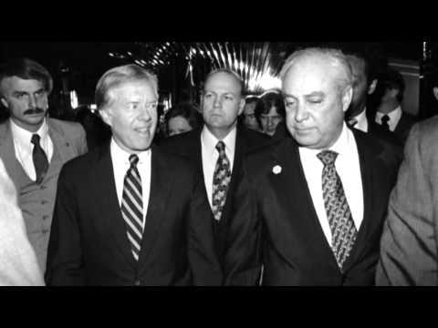 ExDemocratic Chairman Robert Strauss Dies at 95