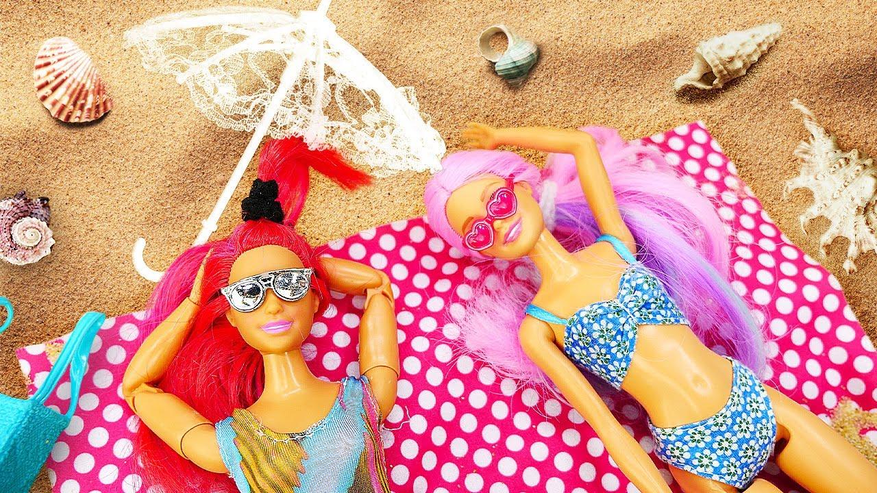 Teresa y Barbie van a la playa. Los accesorios de Barbies. Vídeos para niñas
