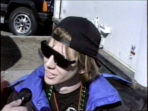 Nardwuar vs. Sonic Youth (1991) Pt 1 of 2