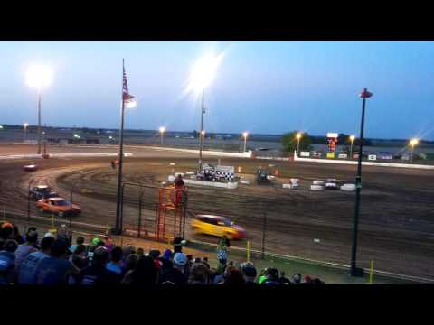 6/2/17 - Sycamore Speedway 6 Lap Compact Trophy Dash