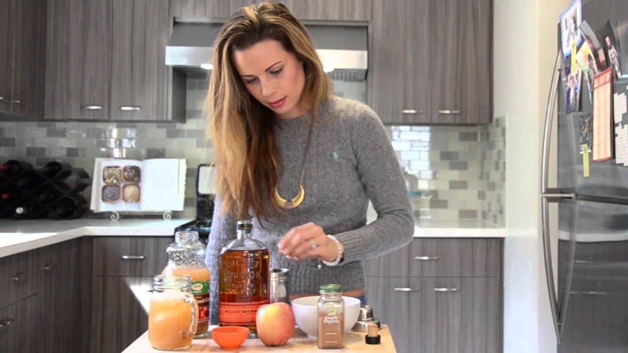 Cocktail Recipe: Apple Spiced Manhattan - YouTube