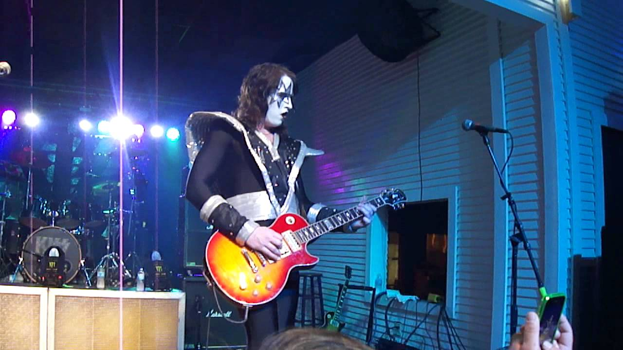 Destroyer - KISS tribute band - Shock Me - YouTube | 1280 x 720 jpeg 92kB