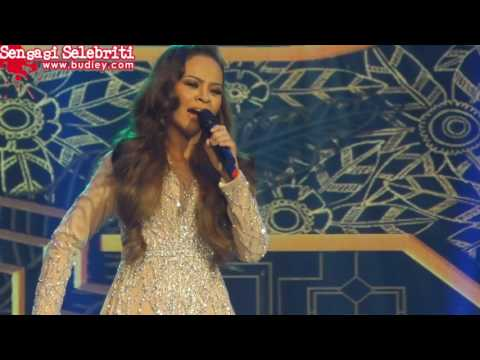 Siti Sarah Nyanyi Lagu Whitney Houston