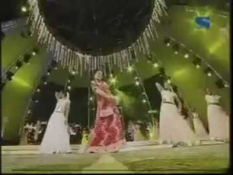 YouTube- Madhuri Dixit at Filmfare Awards 2005