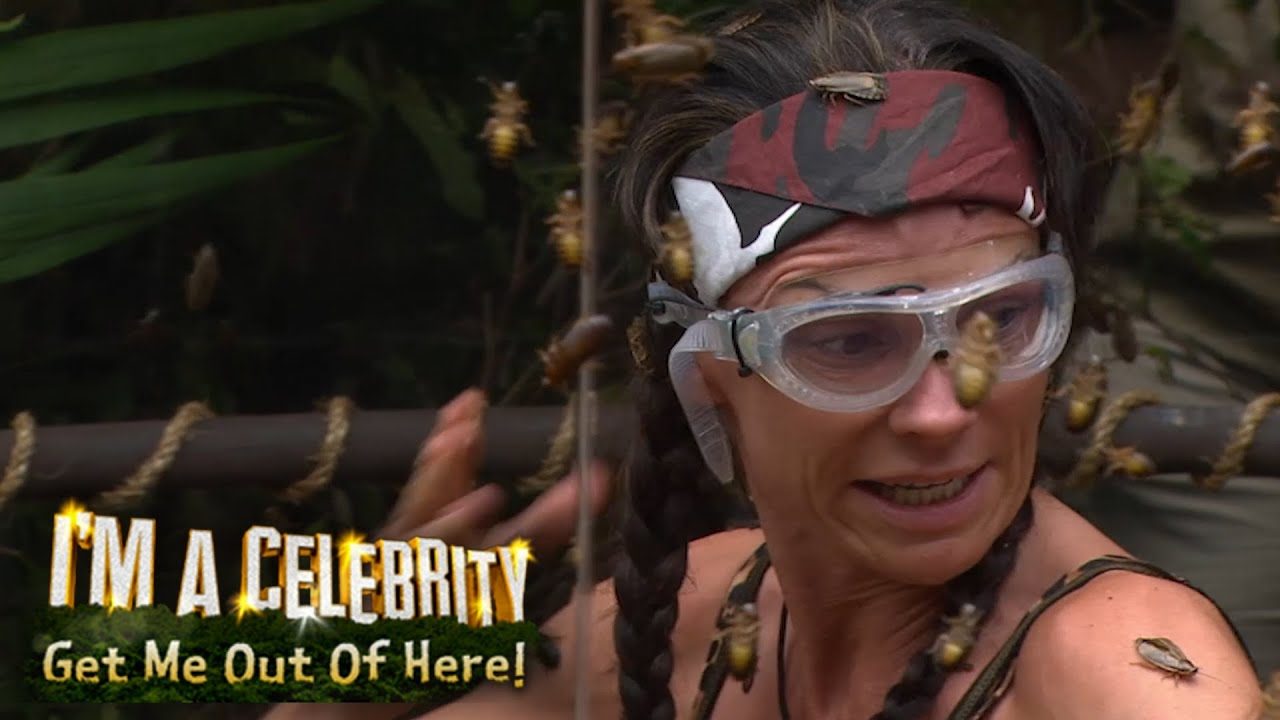 Steamy celebrity showers | Jungle Spy | I'm A Celebrity ...
