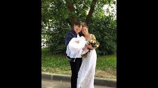 Алена Ашмарина выписалась с дочкой из роддома ))