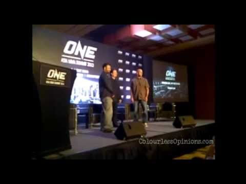 Bruce Lee's brother Robert Lee demonstrates @ ONE Asia MMA Summit 2013