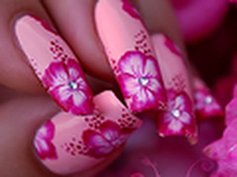nail art hibiscus flower