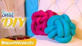 DIY Knot Pillow | SPIRIT DIY