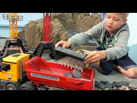 BRUDER TOYS Rocky Corner CONSTRUCTION ♦ RC Toy Truck Video for CHILDREN
