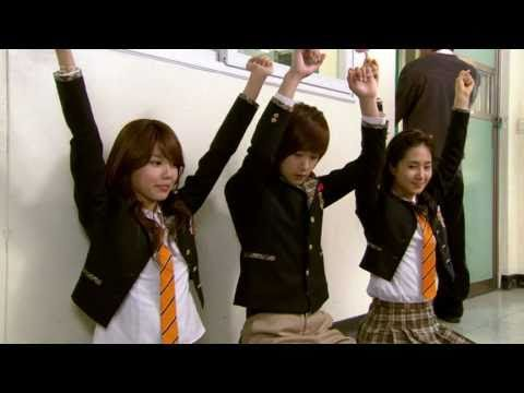 Yuri & Sooyoung (SNSD) Unstoppable Marriage E015 Nov26.2007 GIRLS
