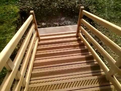 Escalier sapelli youtube for Escalier colimacon exterieur en kit