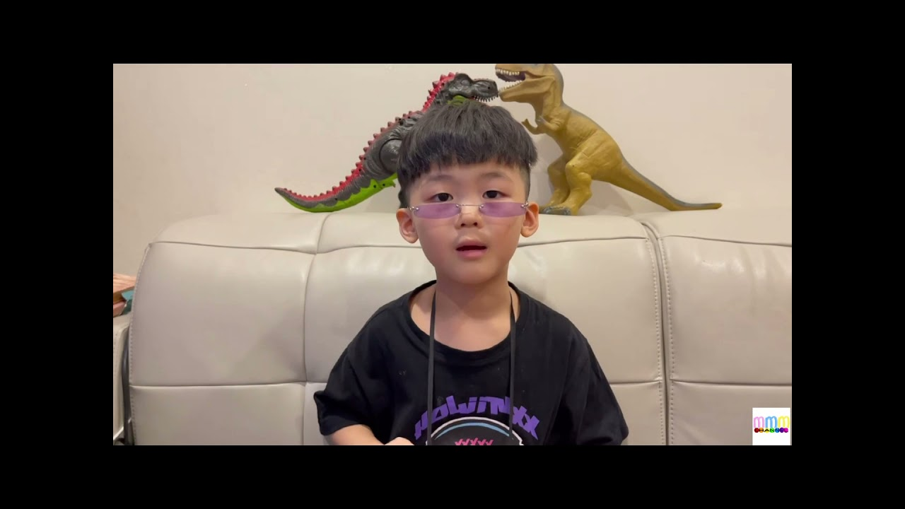 Professor Mon Gives A Lecture About Dinosaurs