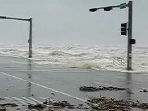 Hurricane Ike Swells onto Galveston Seawall