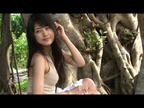 女優・有村架純の貴重な水着姿が満載!