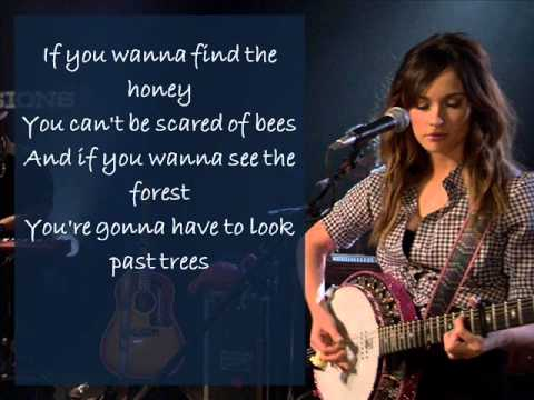 Kacey Musgraves - Silver lining (Lyrics on screen)