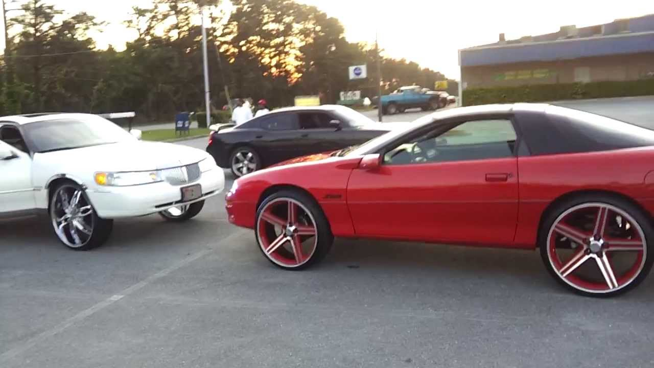 Lincoln On 28s And Camaro Z28 On 24s Doovi