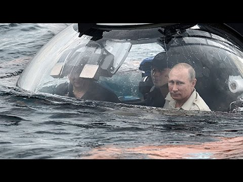 Russian President Vladimir Putin pays visit to Crimea in a submarine