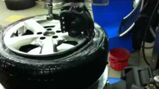 Přezouvání pneumatiky bez použití montážní páky Pneu Mráček