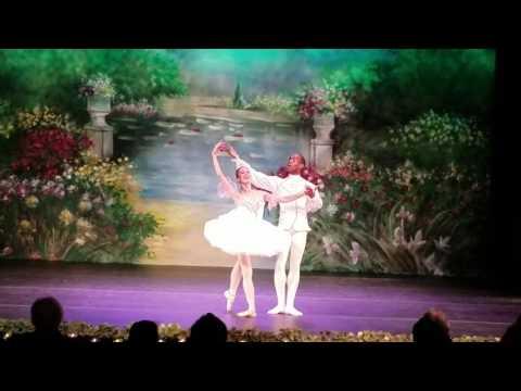 "Natalia Sheptalova, Fredrick Davis. Pas de Deux from ""Nutcracker"". Victoria Ballet Theater"