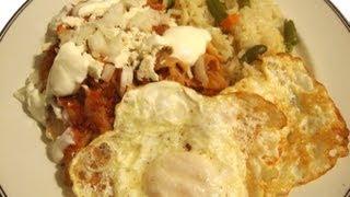 Receta de Chilaquiles rojos, con huevos estrellados – La receta de la abuelita