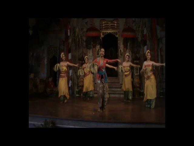 Gamelan & Dance Lesson at Balerung Stage Peliatan