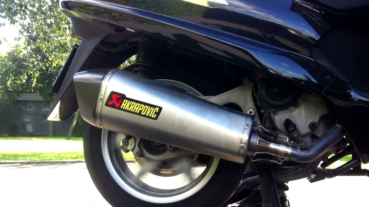 reving akrapovic exhaust on piaggio xevo 400 - youtube
