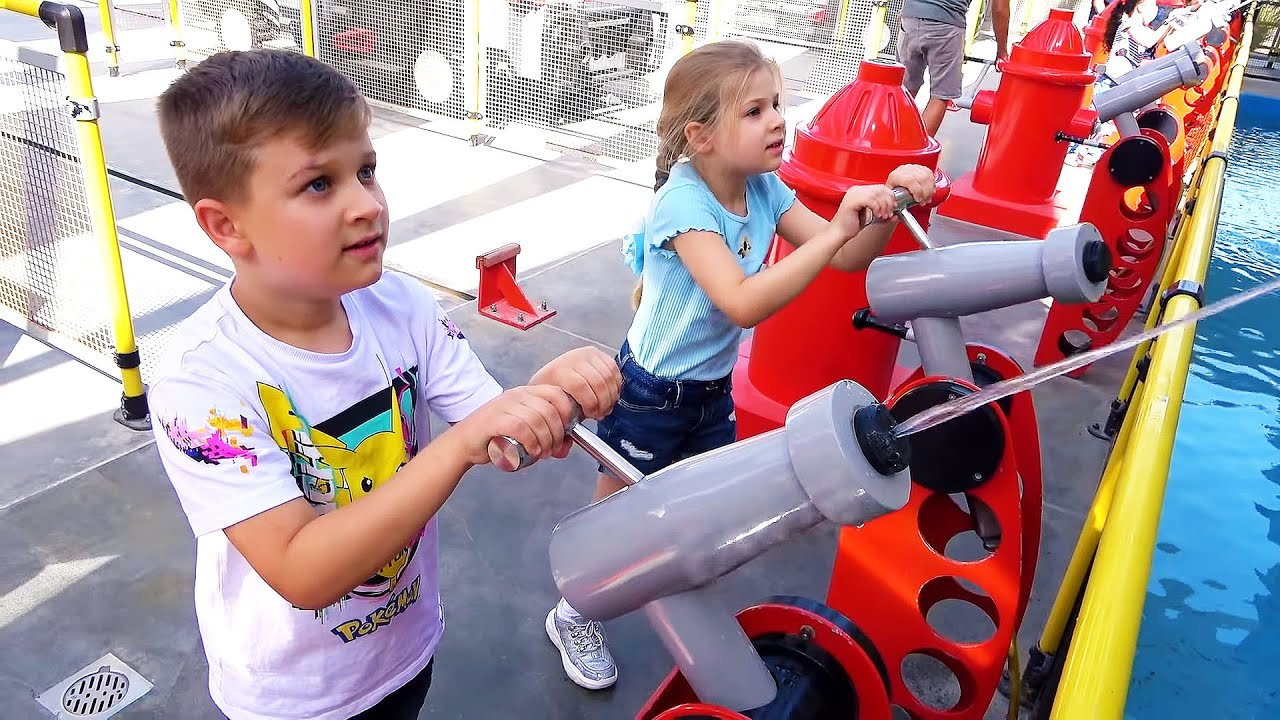 Download Diana and Roma have fun and play different games on the weekend - family vlog