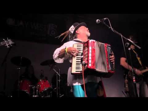 Shamus Oblivion and The Megadeath Morrismen - King Of The Fairies live at Wickham Festival 2013
