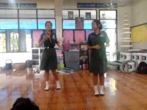 """ท่าเต้นกวนๆ """"ผมรักเมืองไทย"""" ♥♥♥"""