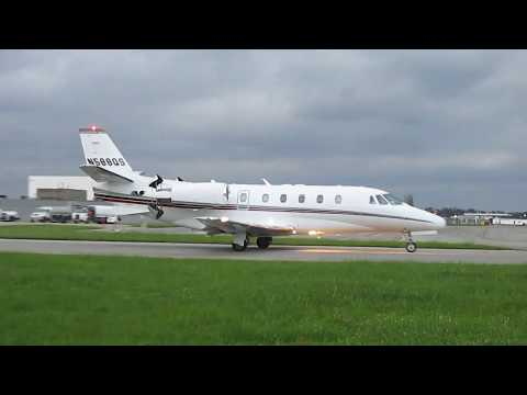 Cessna Citation 560XL Taxiing in Detroit