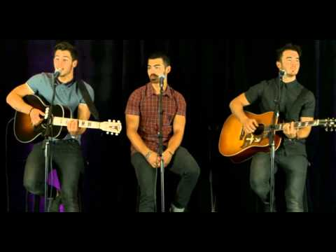 LoveBug  Jonas Brothers  Acoustic Performance for Kiss 108 Boston 22072013