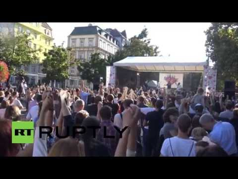 Slovakia: Far-right hold anti-refugee protest in Bratislava