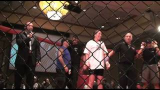 InvictaFC fighter Leslie Smith vs Louise Johnson - Kickdown 74 - February 2010