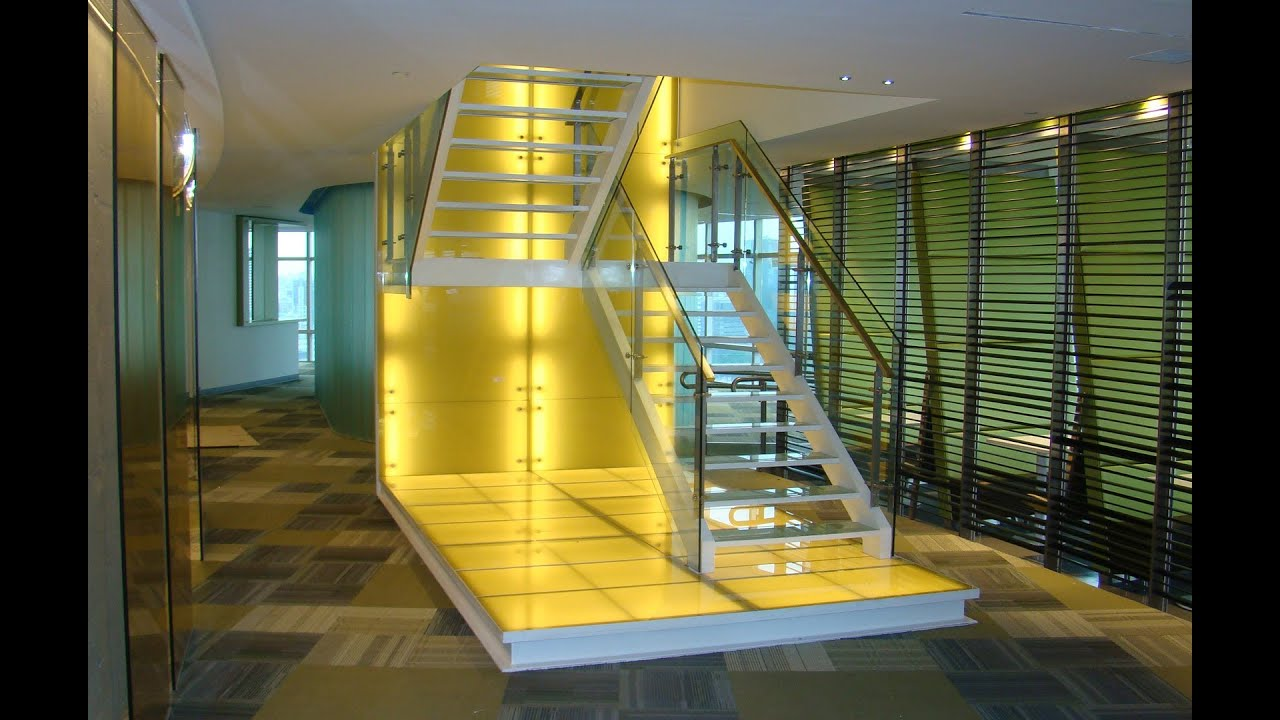 Un paseo por las escaleras de eleve modelos fotos y for Modelos de escaleras modernas