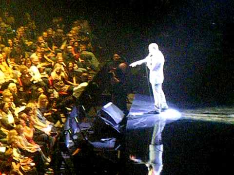 Michael Buble NIA Birmingham 9/10/10 - Talking To The Audience!!!