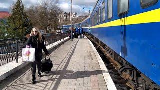Потяг Дніпро-Трускавець прибуває у Трускавець 28 лютого 2021 р.