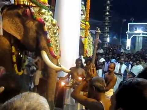 Vaikathashtami vidaparachil Full Video 2012